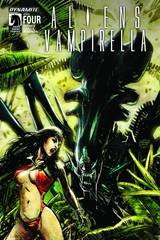 Aliens Vampirella #4 (Of 6) Cvr A Hardman