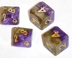 Gate Keeper Games - Halfsies Dice - Queen'S Dice 7-Dice Set