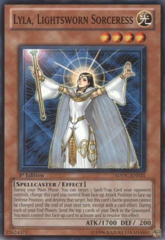 Lyla, Lightsworn Sorceress - SDDC-EN021 - Common - 1st Edition